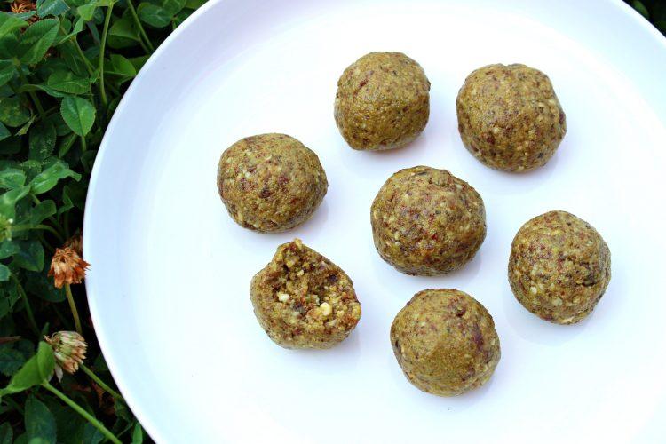 energy ball pistache raisin
